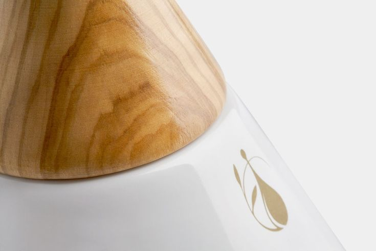Eteo Premium Olive Oil Packaging - The Greek Foundation