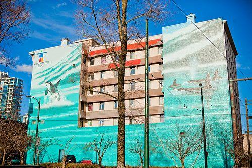 2010 Vancouver Marine Life Mural by artist Wyland in Street Art – Wyland Mural 1390 Granville Street