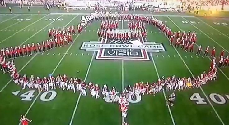 Stanford Band Forms Snapchat Logo in Rose Bowl Halftime Show, Then Disappears