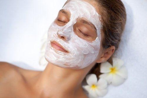 Maschera per il viso, per chiudere i pori dilatati