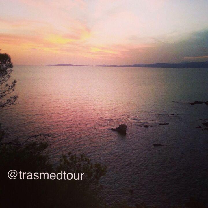 Saludos desde #Mallorca os deseamos buen fin de semana.  Greetings from #Mallorca. Have great weekend!!!  Saluts de #Majorque. Bon weekend!