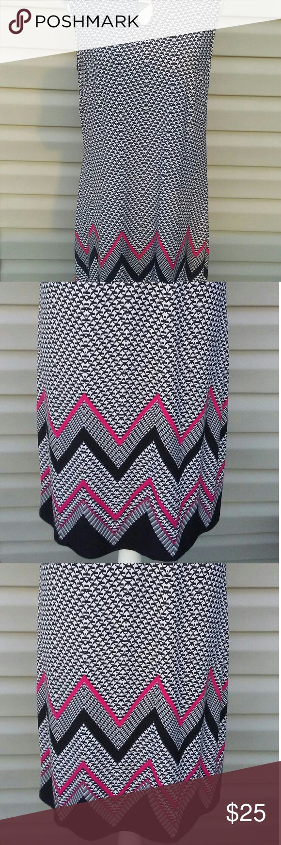 """🆕New Direction Dress Brand New!!! Black and White Pattern!! Chevron Pattern around the bottom!! Gorgeous Dress!! Petite Xlarge  Measurements  36"""" shoulder to bottom  18"""" armpit to armpit   Materials  95% Polyester  5% Spandex new directions Dresses"""