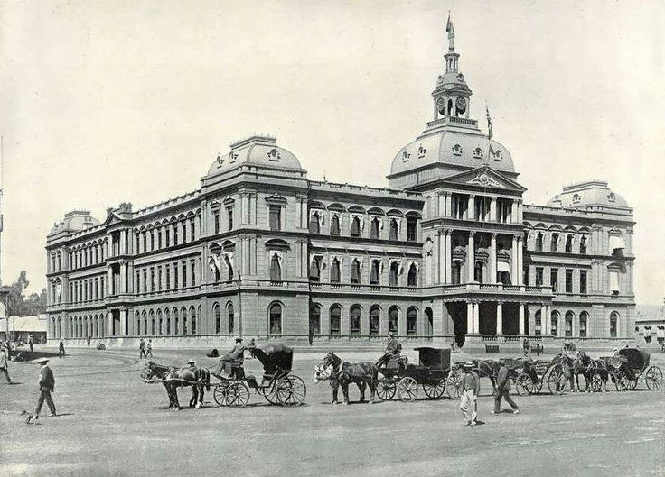 The Oude Raadzaal (Old Council Chamber) is a former parliament building on Church Square in Pretoria,South Africa in 1889.