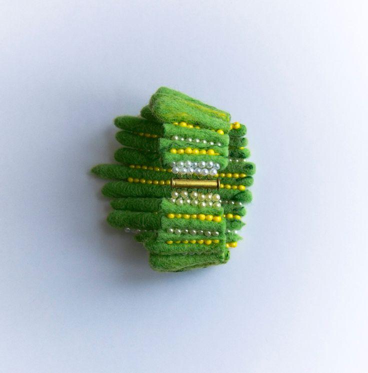 Felt bracelet - pinned by pin4etsy.com