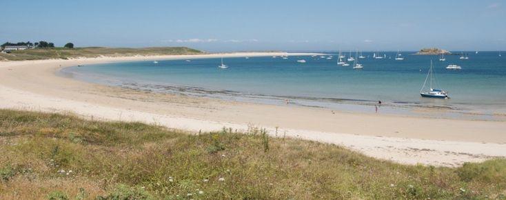 Vous souhaitez effecter une location de voilier en Bretagne, Morbihan? Location Bateau / Voiliers à La Trinité sur Mer en Bretagne. Croisière sur monocoques, catamarans. Bateaux avec/sans skipper. Belle Ile, Houat, Golfe du Morbihan.