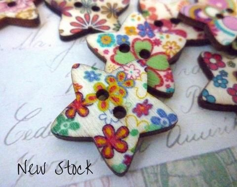 New Stock. Pretty flower buttons.