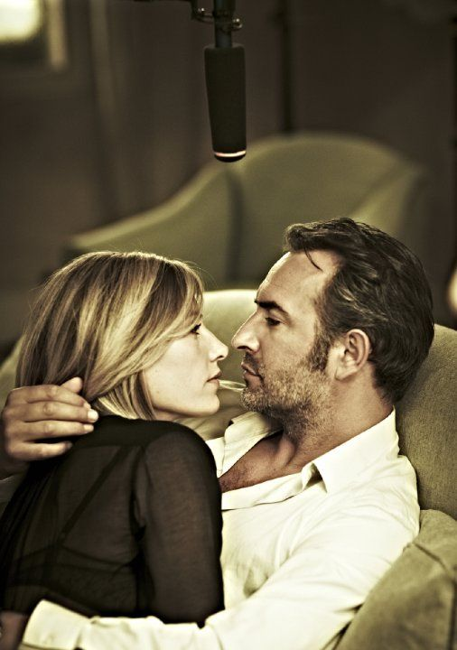 Still of Cécile De France and Jean Dujardin in O kyklos tou Möbius (2013)