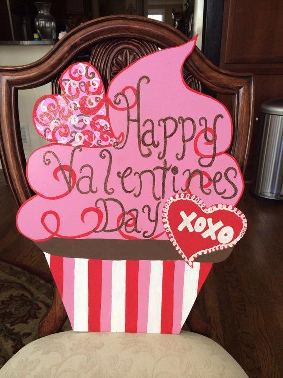 Valentine Door Hanger Valentines Decor Valentines Cupcake Xoxo