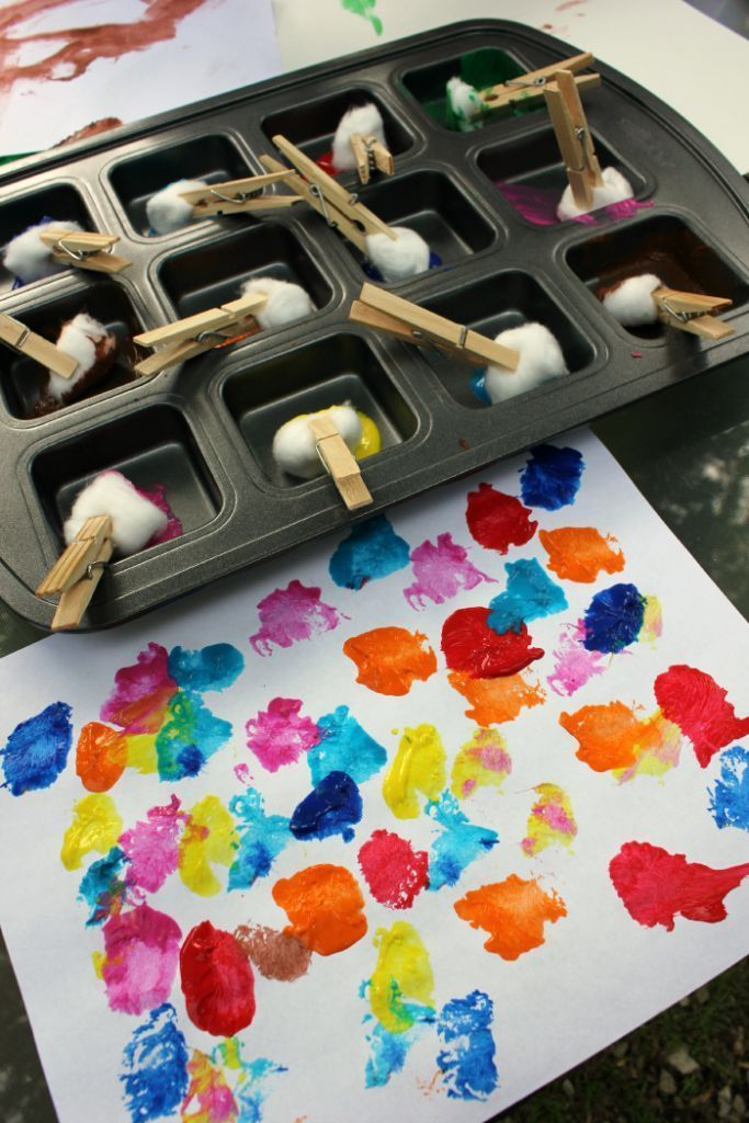 Cotton Ball Painting - Including the munchkins in making paint would add to the fun! An economical and entertaining fine motor experience. Great rainy day fun!