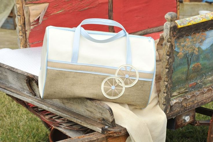 Τσάντα βαρελάκι ρόδες