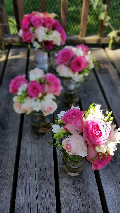 Bouquet demoiselles d'honneurs  dégradé de rose, freesia www.stylisteflorale.ca