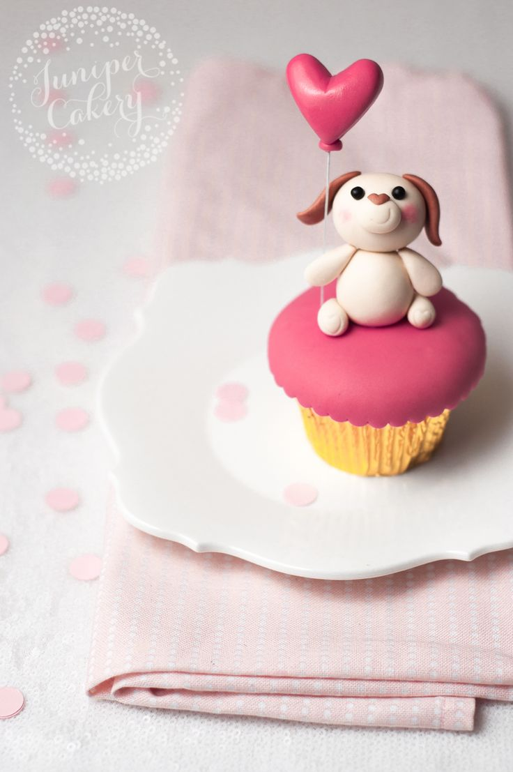 Puppy cupcake tutorial for Valentine's Day by Juniper Cakery