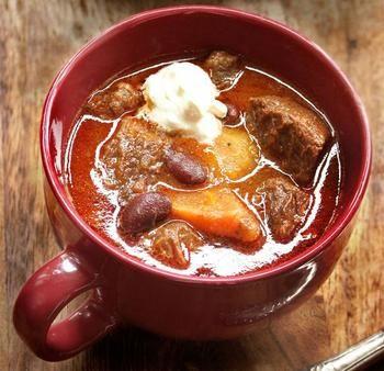 Бограч - это суп, чем-то схожий на гуляш. В действительности, это венгерское блюдо из мяса и овощей, изюминкой которого, считается паприка и...