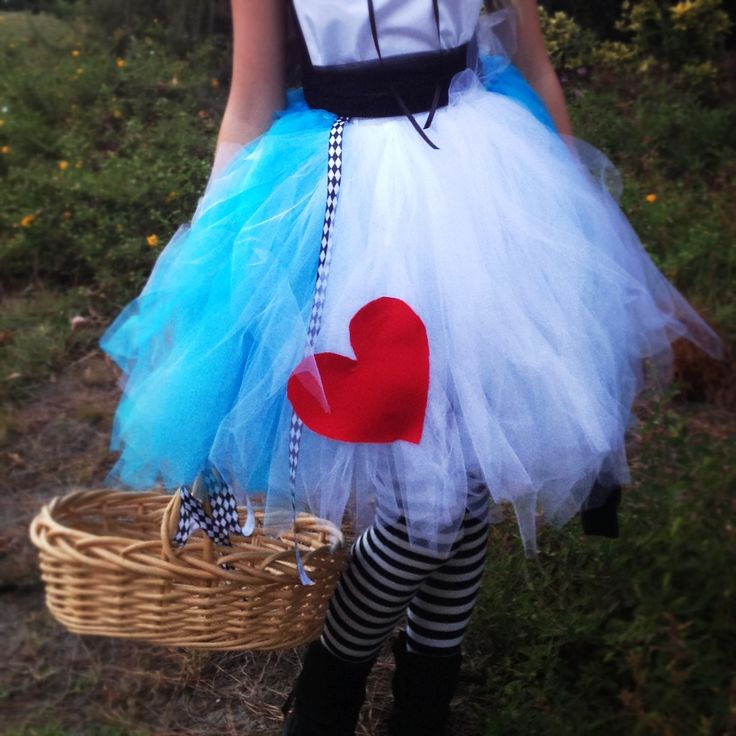 Diy Alice In Wonderland Costume Pouf By Isabelle