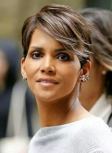 Halle Berry rocking soft flip