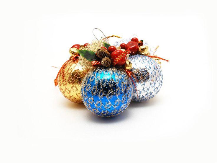 enfeites natalinos bolas coloridas