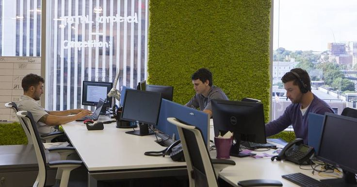 In a tight labor market, companies are looking to set up in cities with large numbers of the underemployed. In response, cities and economic-development agencies are touting this metric as a tool to lure employers. // The New Corporate Recruitment Pool: Workers in Dead-End Jobs -- In a tight labor market, companies are looking to set up in cities with large numbers of the underemployed who would leap at a new opportunity