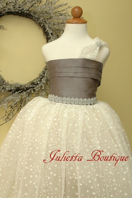 Delicate tulle formal dress for girls. Special occasion dress for weddings, birthday parties, flower girl dress. $127,00, via Etsy.