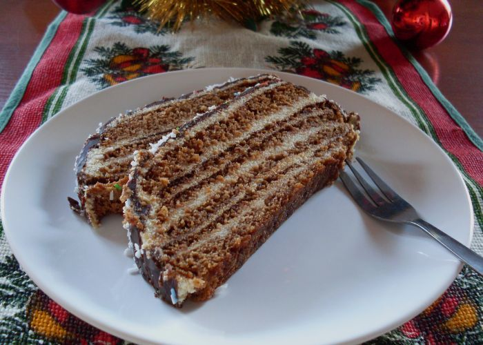 Gingerbread layered with milky cream...