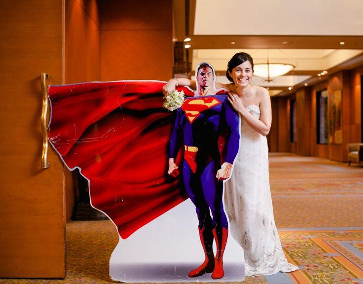 Todo lo que un buen wedding planner puede hacer por vos: Asesoramiento en la contratación de los servicios faltantes - Contratacion de shows para cada momento de la Fiesta - Direccion general del evento - Coordinacion de proveedores - Armado del Timing - Armado de mesas numeradas y sectores - RSVP de invitados - Te salvan cualquier tipo de contratiempo típico de un evento - El dia del evento: Supervision y coordinación