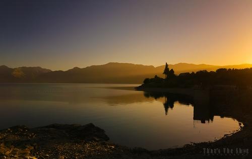 Lake Hawea - 2873-web.jpg