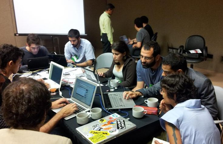 Nos próximos dias 12 e 13 de maio a Câmara Municipal de São Paulo em parceria com a Open Knowledge Foundation e o W3C Brasil realiza a primeira Hackathon: Maratona Hacker/Desafio de Dados Abertos.