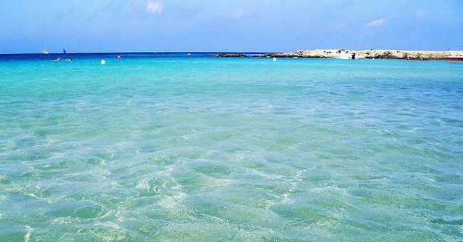 Organizza la tua vacanza a Gallipoli nel Salento, la spiaggia Baia Verde ti aspetta per una divertente e meravigliosa vacanza. Cerca l'albergo giusto per te