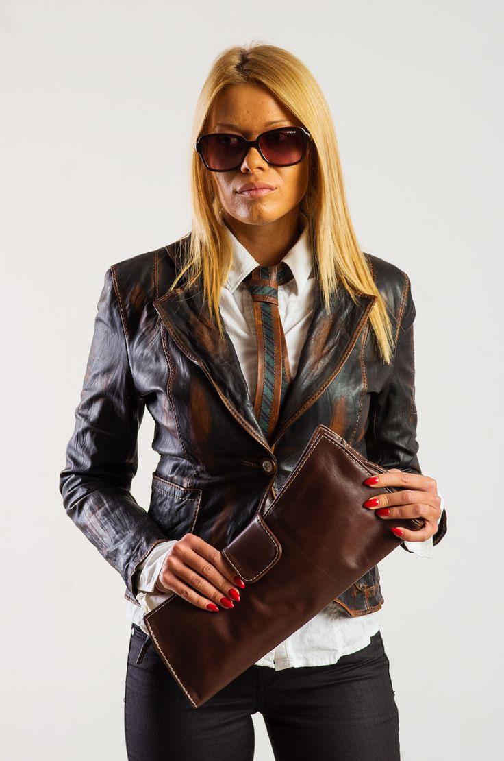 Изберете си ново кожено яке за пролетта! Ако този модел е Вашият: - Харесайте и го Поръчайте!!! /на лични съобщения или телефон/ Tag a Friend who need this jacket FIND MORE ON: http://dd-bespokestudio.com/category/Women-Collection/16-Ladies-coat-1-button.html Dimitar Dimitrov Bespoke studio  #дамски #кожени #якета #облекла #дрехи #чанти #цени #луксозни #ръчна #изработка #поръчка #womenswear #leather #jackets #handmade #dimitardimitrovbespokestudio #handcrafted #bespoke #bespoketailoring…
