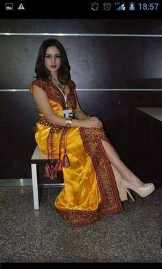 """Résultat de recherche d'images pour """"robe kabyle gargari jaune"""""""