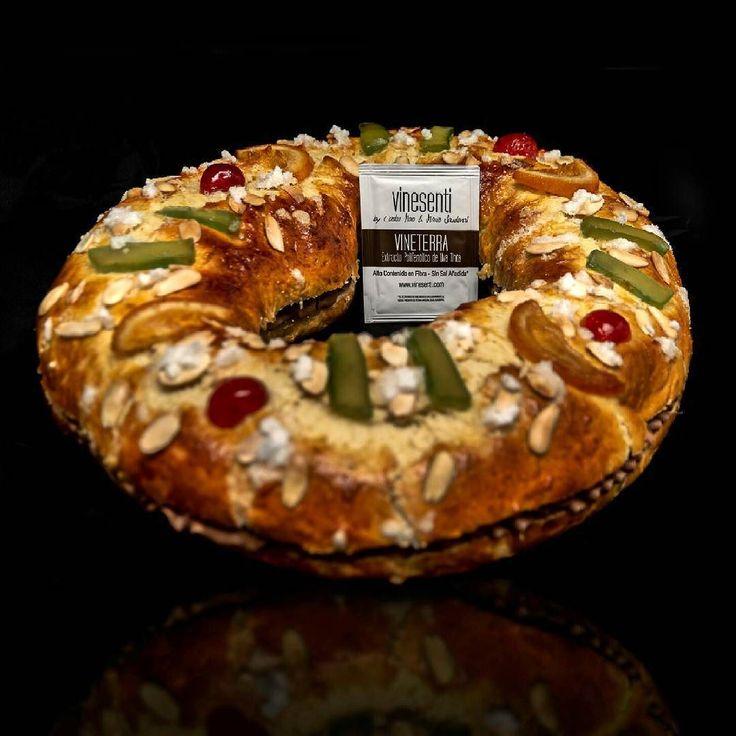 Feliz día de Reyes! Aquí mi primer roscón casero relleno de trufa con #vineterra extracto de uva tinta de la gama #vinesenti de @grupo_matarromera que le da un toque rico rico Somos un equipo @rao84 :D by msbuenhombre