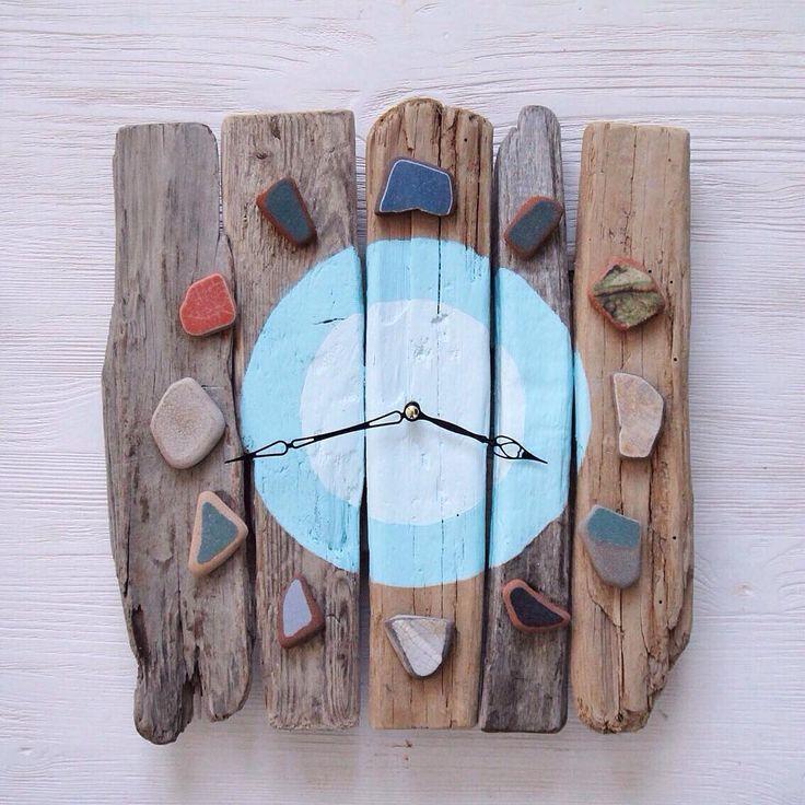 Заказали копию сделанных мной когда-то часов. Ну а какие могут быть копии, когда каждая досочка и плитка срвершенно неповторимы. Но я постаралась, на фото результат) Можно сравнить с оригиналом по тегу #ёлочкина_часы  Кусочки керамики с Японского моря и Атлантического океана, доски с Черного моря