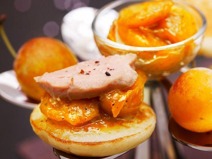 Avec les lectrices reporter de Femme Actuelle, découvrez les recettes de cuisine des internautes : Bouchées de foie gras et Mirabelles de Lorraine aux 4 épices