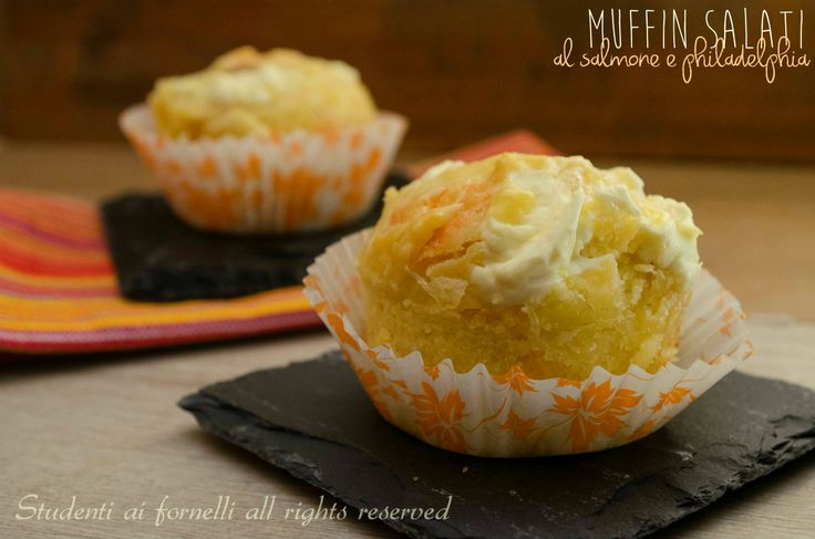 Muffin salati salmone e philadelphia http://blog.giallozafferano.it/studentiaifornelli/muffin-salati-salmone-e-philadelphia/