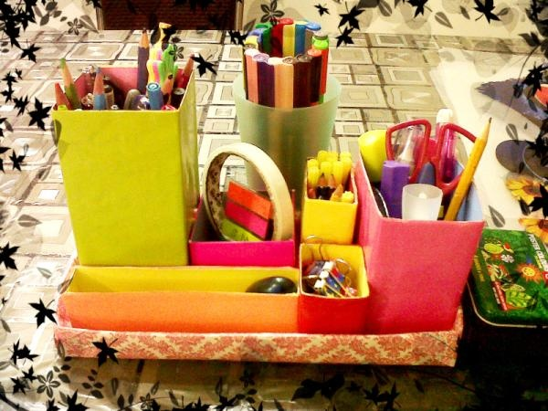 today I made a desk organizer using a shoe box lid and other small boxes lying around.