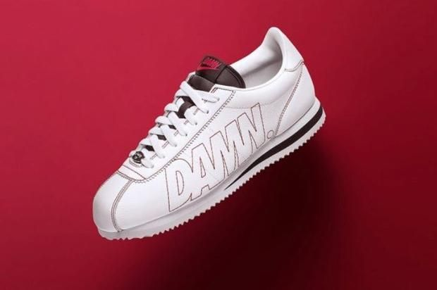"Kendrick Lamar x Nike Cortez ""Kenny 1"" To Release Tomorrow Kendrick's first Nike collab drops tomorrow.https://www.hotnewhiphop.com/kendrick-lamar-x-nike-cortez-kenny-1-to-release-tomorrow-news.42870.html Go ... http://drwong.live/article/kendrick-lamar-x-nike-cortez-kenny-1-to-release-tomorrow-news-42870-html/"