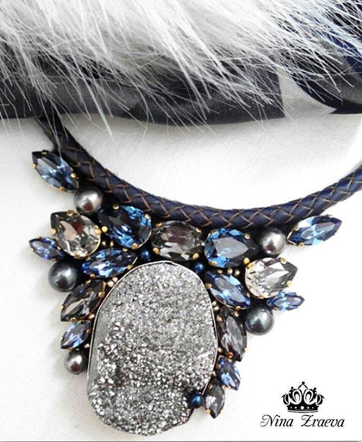 """Колье""""Голубая жемчужина""""в наличии. #сваровски#колье#бижутерия#брошь#серьги#мода#luxury#style#swarovski#crystal"""