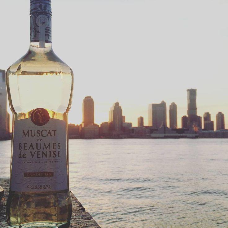 #Sunset sur #NewYork   #NYC #USA #Muscat #BeaumesDeVenise
