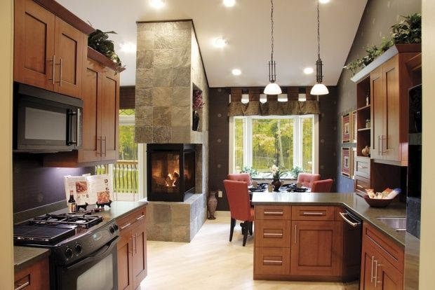 Moderne Küche Holz Küchenschränke Pendelleuchten-Einbaukamin Ofen