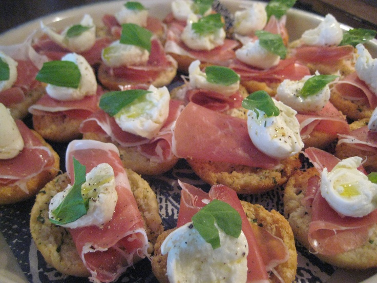 Parma ham-mozzarella rusks