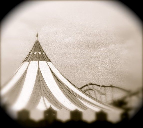 circus tent: Carnivals Art, Vintage Circus Tents, The Circus, Circus Carnivals, Circus Vintage, Big Tops, Black And White Circus Tents, Old Photographers, Night Circus