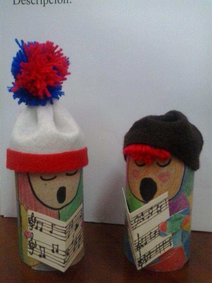 Bonecos cantores feitos con tubos de papel de baño/cociña.  Manualidade para o tempo de nadal