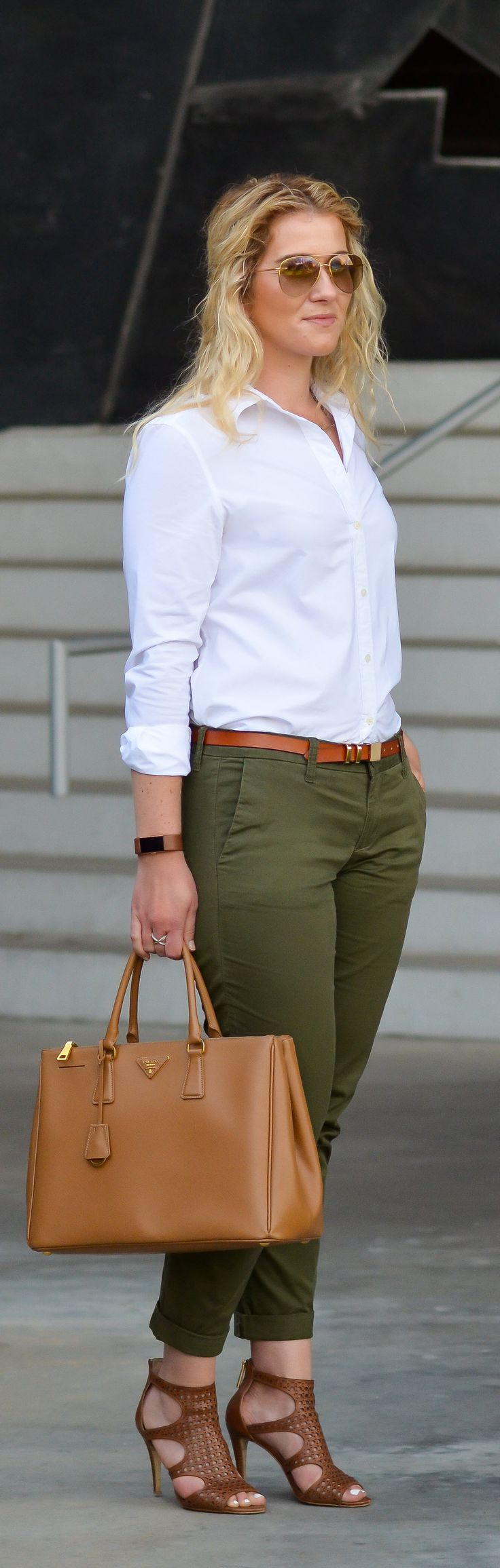 How to Dress Up Olive Green Chinos Women
