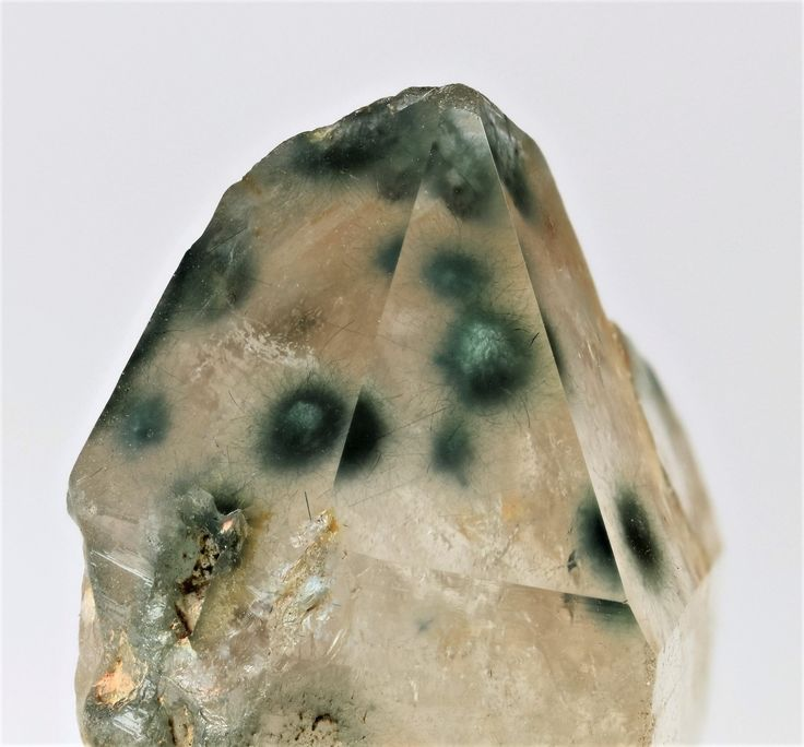 Unknown inclusions in quartz, Spitzkoppe, Namibia, self collected.