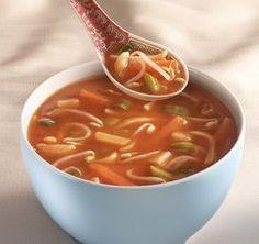 Makkelijke Chinese tomatensoep zodat je in een mum van tijd een lekkere soep kan maken van kip met tomaten en groenten naar wens.