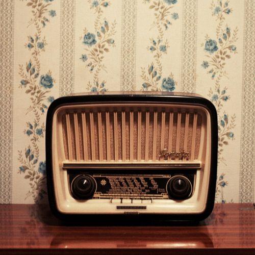 little radio.