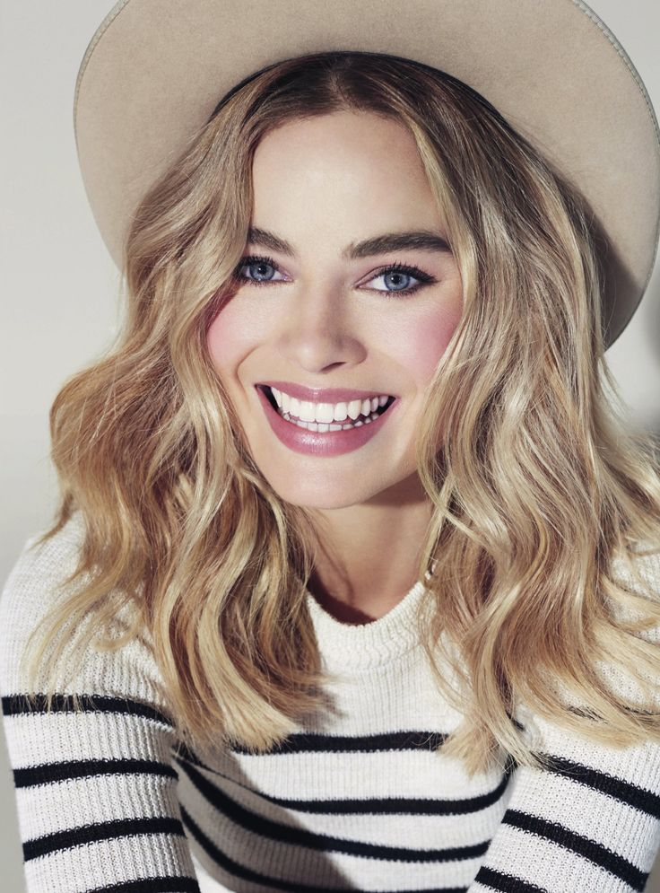 Celebrity Photos and celebrities images - ((Fc: Margot Robbie)) Hello, Im Evarlee Fox. Im a nurse here and I love to help people especially the boys who think they are tough till they get a cold then they are suddenly dying. Im single but wouldnt mind company. If you have questions just come ask.