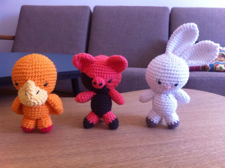 Amigurumi for my nieces pram - when they still were free and not tied by strings ;)