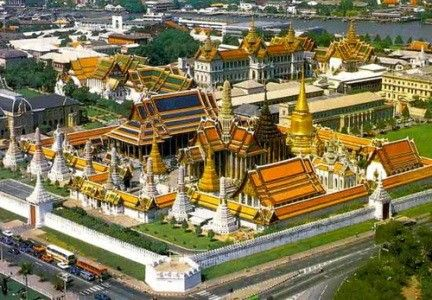The Royal Grand Palace is perfect introduction to Thailand, the Buddhist is perfect introduction to Thailand, the Buddhist
