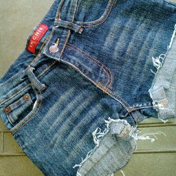 AN CHIN Denim Shorts AN CHIN Denim Shorts Medium to Dark Blue Marigold Stitching Distressed hems Zippered/ button Size 26 AN CHIN Shorts