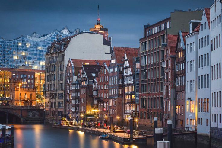 Nikolaifleet – Ein Hauch von Amsterdam - von Geheimtipp Hamburg - Unsere Grachten heißen zwar Kanäle und Brücken haben wir sowieso viel mehr - aber hier und da lässt sich der Charme Amsterdams in Hamburg einfach nicht wegleugnen - zum Beispiel im Nikolaifleet. An sonnigen Tagen gibt's nur eins:Raus, raus & nochmals raus - Hamburg entdeckt man jeden Tag ein bisschen mehr. Und je länger man …